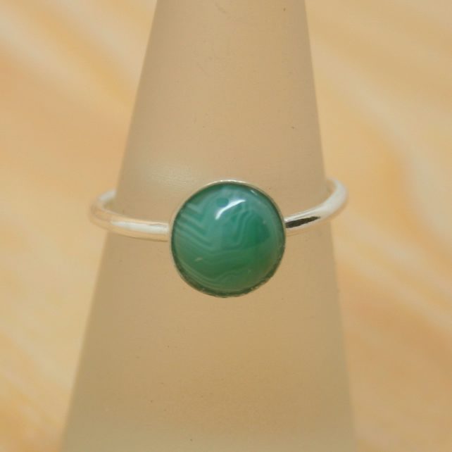 Sterling silver green Onyx gemstone ring size L half