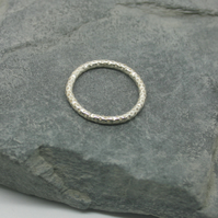 Sterling Silver patterned ring size M