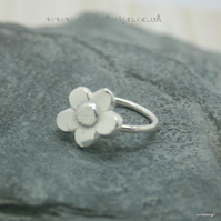 Sterling silver flower ring size E half