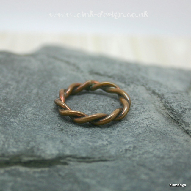 Twisted copper ring size K