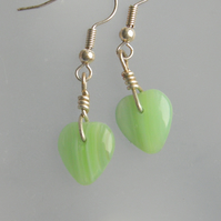 Stunning Green Heart drop earrings