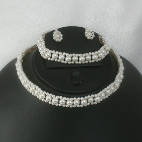 Swarovski pearl choker necklace with matching bracelet and stud earrings