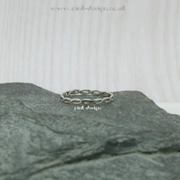 Sterling silver ring size V