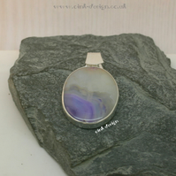 Sterling Silver Pendant with a Lilac Agate