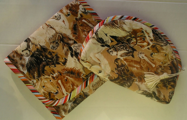 Folding bag with pockets and matching purse horses