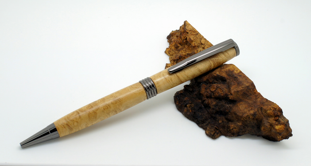 Streamline pen in Acacia Burr