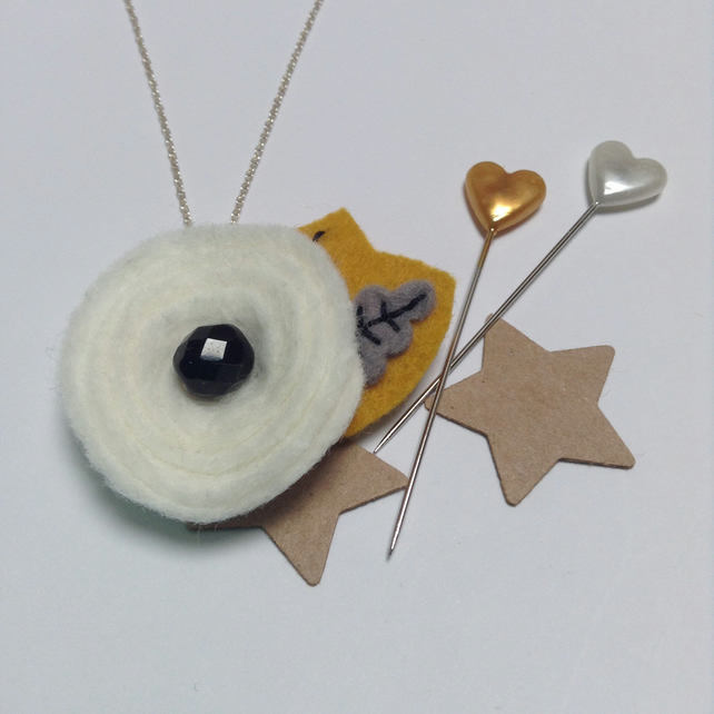 Flower Pendant Necklace in Cream Wool Felt