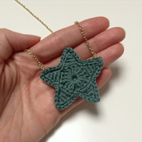 Bright Star Crochet Necklace- Pine
