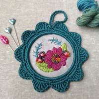 Flower Garden Crewel Embroidery Wall Decoration