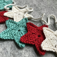 Mint, Cream and Red Christmas Decoration Star Garland