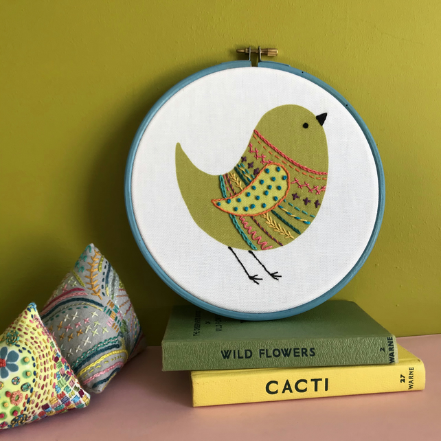 Green Chirpy Bird Hand Embroidered Wall Decoration