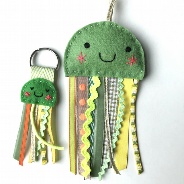 Jellyfish Keyring and Lavender Bag Set