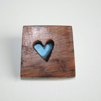 SINGLE HEART BROOCH