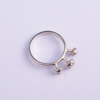 Designer Silver Ring Size M , Screw Top Terrace