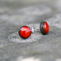 Simple and Stylish Ceramic Stud Earrings in Lava Red on Black Clay.