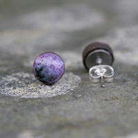 Violet Ceramic Stud Earrings in Black Clay.