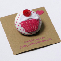 Cup Cake brooches