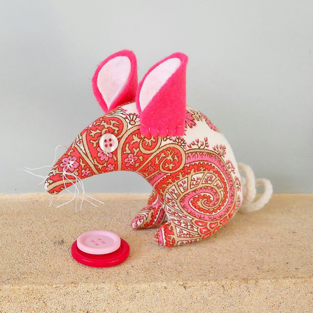 Mouse 70s Pink Paisley Vintage Fabric