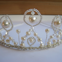 Tiara 'Salisbury'. Freshwater pearls, Swarovski crystals and diamanté.