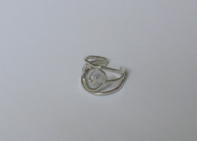 Arts and Crafts rose ring