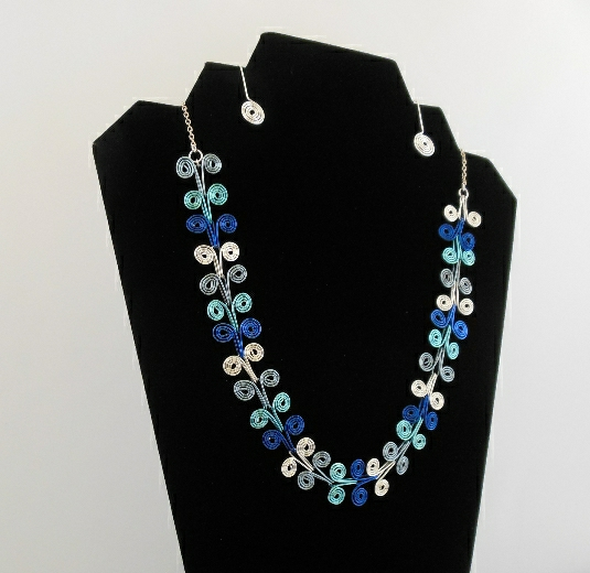 Deco spiral necklace