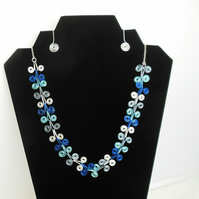 Deco spiral necklace.