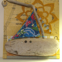 Driftwood boat picture with crochet