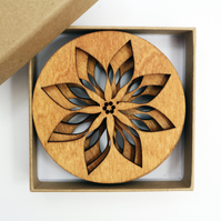 Set of 4 Wooden Drinks Coasters with Poinsettia Design