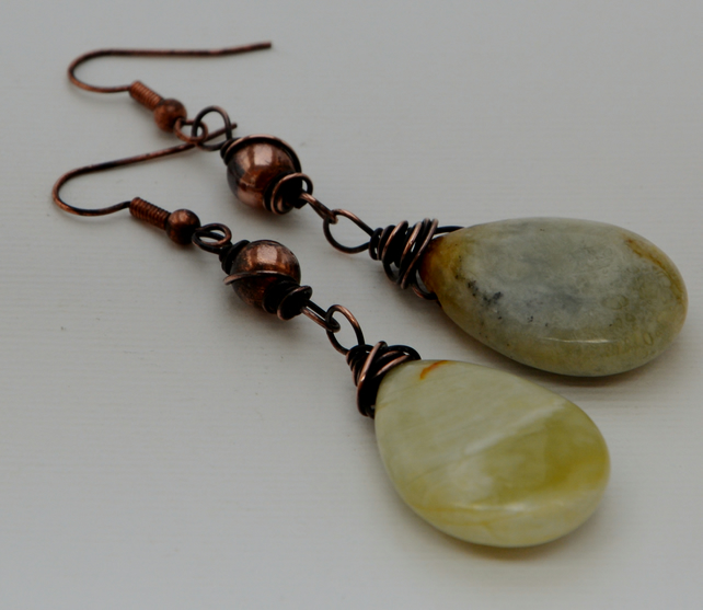 Jade drop earrings with copper.