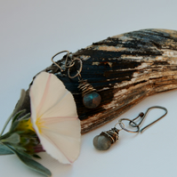 Wire wrapped labradorite drop earrings.