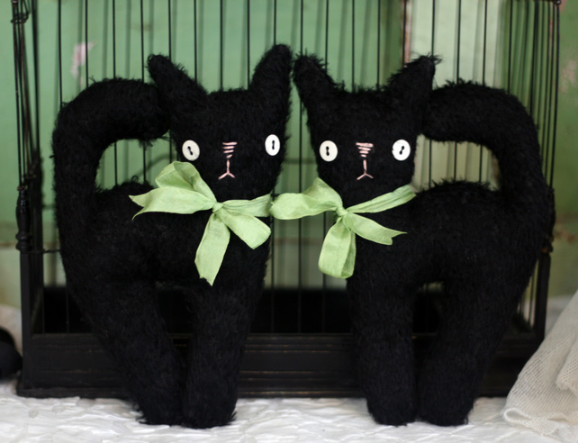 Spooky little primitive mohair witches kitty cat for Halloween