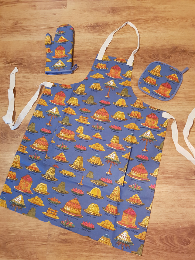 Vintage style apron, oven glove and oven pad