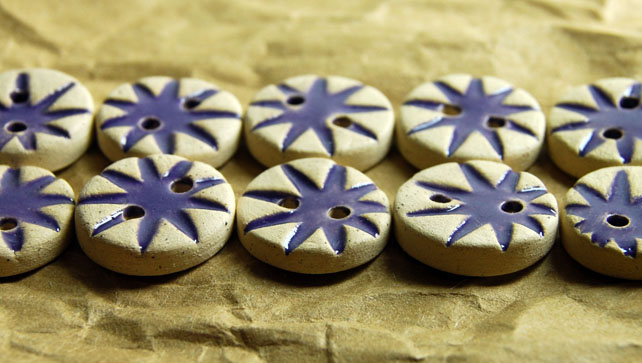 10 Rustic Round Ceramic Buttons with Embossed Starburst Design - 16mm