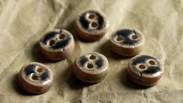 6 Rustic Dark Red Round Ceramic Buttons - 11mm