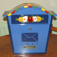 Lockable metal mailbox hand-painted with canalware roses