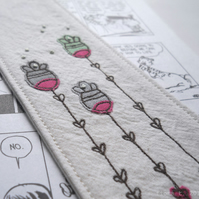embroidered floral fabric bookmark - green
