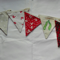 Tartan and mistletoe bunting
