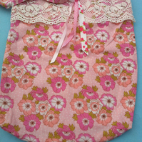 Handmade messenger style cotton fabric bag in pink floral vintage fabric