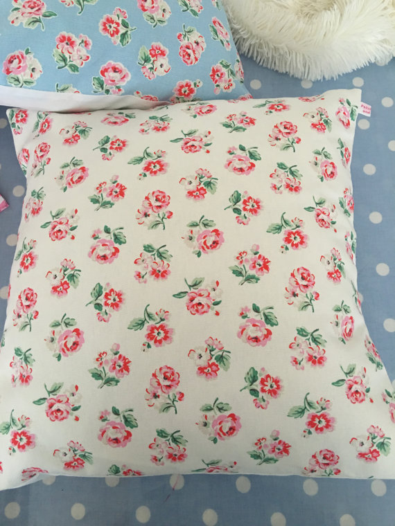 Cushion cover in Cath Kidston white Ashdown  rose cotton duck fabric