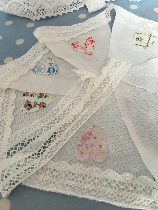 Linen fabric bunting with lace trim and hearts