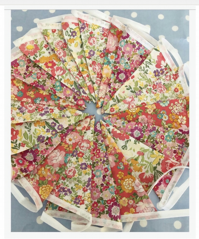 Summer bunting in Cotton fabrics