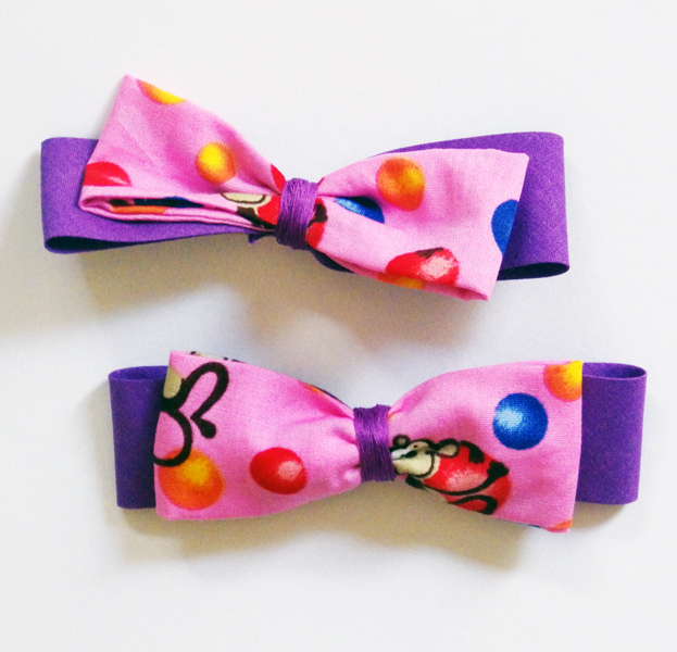 Monkey Bow Hair Slides