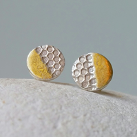 Fine silver honeycomb small stud earrings with 24ct gold accent