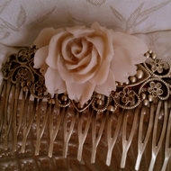 Pretty Vanilla Latte Rose  Filigree Hair Comb