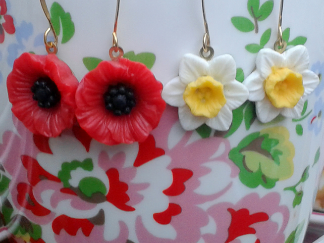 Vibrant Poppy Earrings