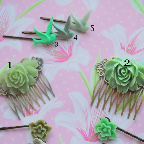 Gorgeous Rose Cabochon Hair Comb & Bobby Pins Set...