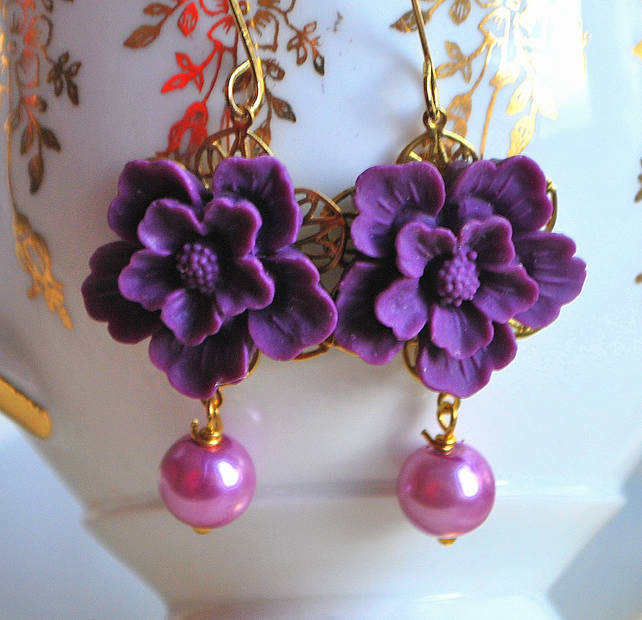 Purple flower cabochons earrings...