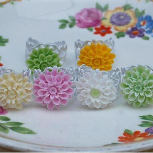 Chrysanthemum ring in pretty soft pastel colors