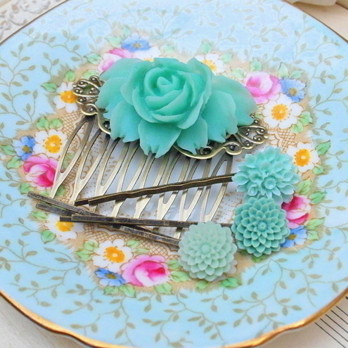 Gorgeous Mint Rose Cabochon Hair Comb & Bobby Pins Set........