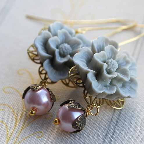 Grey  flower cabochons earrings.....